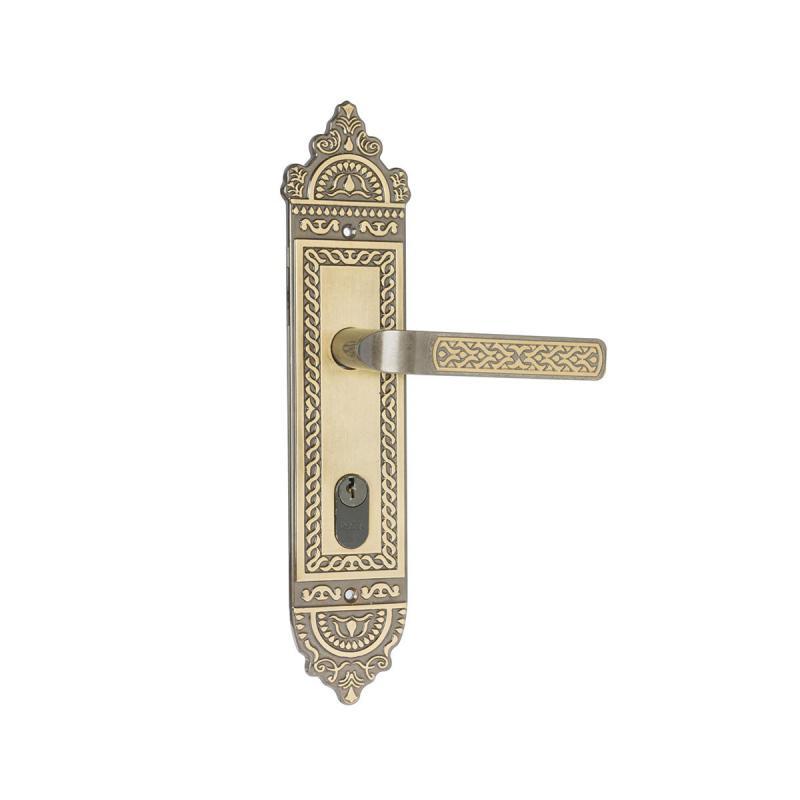 Fechadura para porta externa